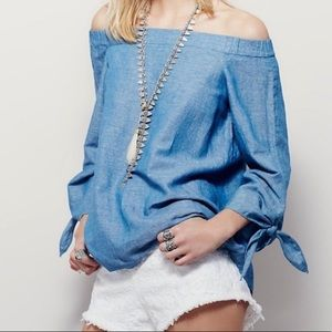 FREE PEOPLE • Show Me Your Shoulder Chambray Top